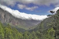 cascada-nubes-brisa-caldera-wolken-wasserfall