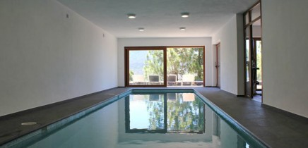 Schwimmbad in der Luxusvilla auf La Palma