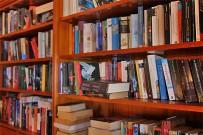 restaurante-las-norias-grill-asadero-libros