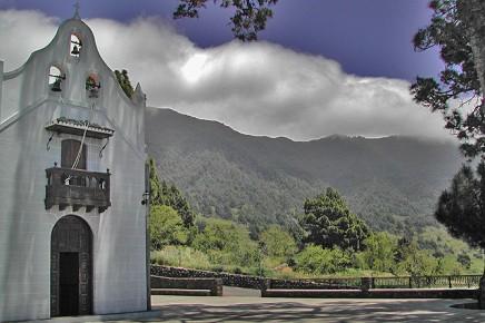 virgen-del-pino-el-paso-nubes