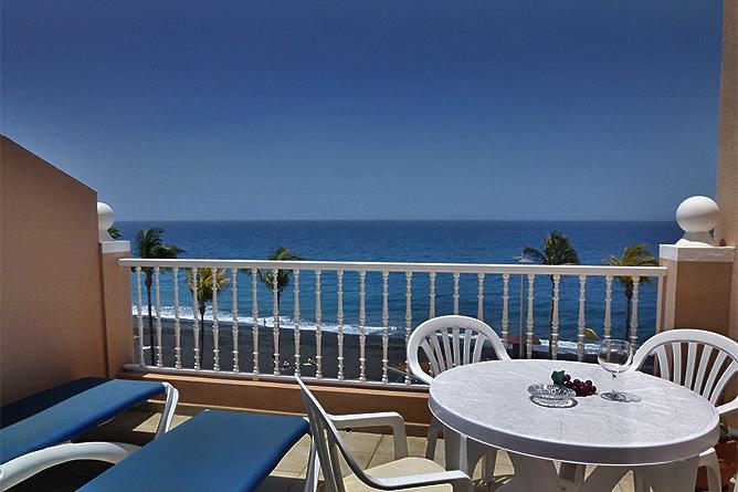 atico regata ferienwohnung mit dachterrasse in puerto. Black Bedroom Furniture Sets. Home Design Ideas