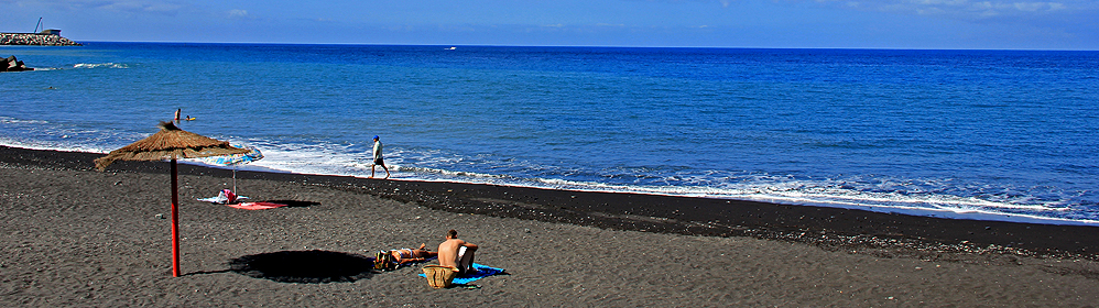 Playa El Puerto de Tazacorte - La Palma Travel