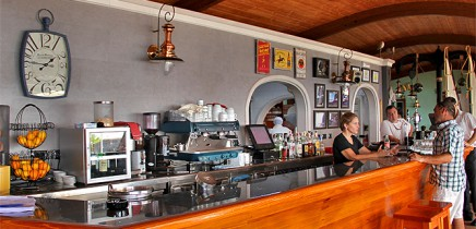 kiosco-teneguia-restaurante-puerto-de-tazacorte-la-palma-ana-barra