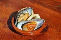 restaurante-taberna-del-puerto-de-tazacorte-la-palma-tapa-mejillos-calamares