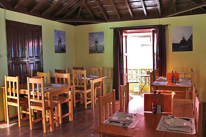 bar-restaurante-taberna-santi-santo-domingo-garafia-la-palma-gastraum