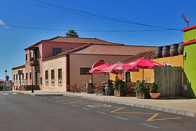 bar-restaurante-taberna-santi-santo-domingo-garafia-la-palma-terraza