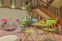 casa-tey-patio-fruehstueck