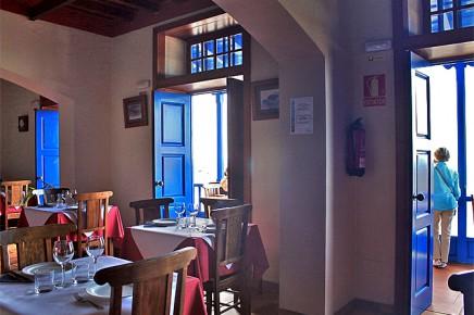 restaurante-meson-del-mar-puerto-espindola-comedor-arriba