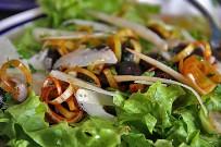 restaurante-enriclai-santa-cruz-de-la-palma-ensalada-aceitunas-negras-puerros-parmesano