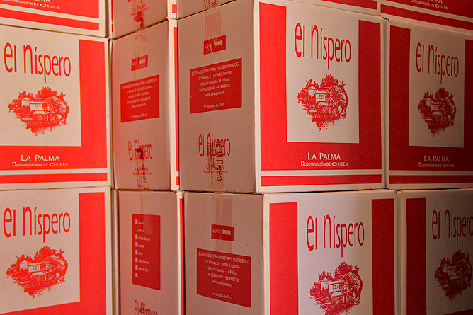 bodega-el-nispero-la-palma-flaschen-kisten