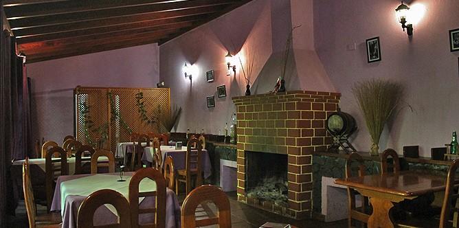 casa-demetrio-restaurante-los-tilos-los-sauces-la-palma-sala