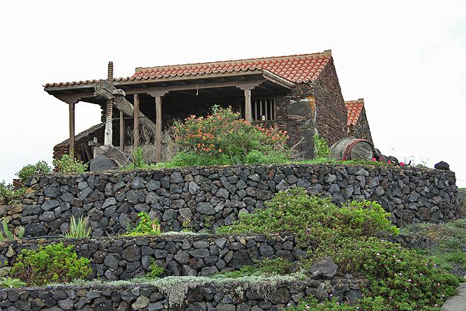 Restaurante casa del volc n fuencaliente la palma - La casa del volcan ...
