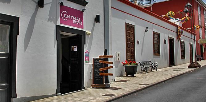 manos-arriba-leder-werkstatt-el-paso-la-palma-artesania-bar-central