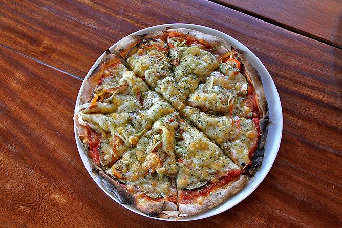 restaurante-pizzeria-flor-de-lotus-puntagorda-la-palma-pizza-vegetariana