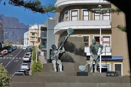 monumento-a-los-calabaceros-los-llanos-wasserschoepfer