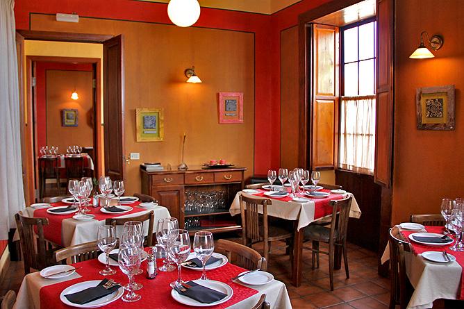Restaurante El Bernegal - La Palma Travel