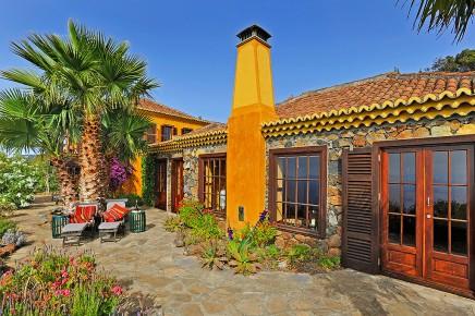 Villa_Botanico_Hausansicht